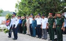 Cảnh sát biển đồng hành với ngư dân xã đảo Thổ Châu