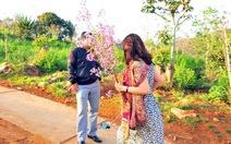 Kỷ luật khiển trách nữ phó giám đốc Sở bẻ hoa