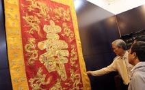 Chiêm ngưỡng cổ vật, gấm vóc vàng son thời Nguyễn