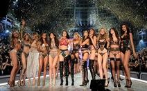 Dàn mẫu 'sexy nhất thế giới' Victoria's Secret ăn gì giữ eo?