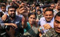 Ấn Độ tử hình 4 kẻ cưỡng hiếp nữ sinh trên xe buýt