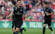 Đại thắng Granada, R.M tiếp tục bám đuổi Barca