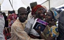 Nigeria đổi khủng bố lấy nữ sinh bị bắt cóc