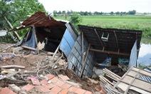 'Hà bá' lại 'nuốt' 4 nhà dân ở kênh Cỏ Lau, An Giang