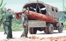 Di dời quả bom nặng gần 500kg