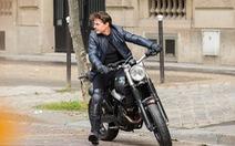 Tom Cruise cưỡi mô tô trên phim trường Mission Impossible 6
