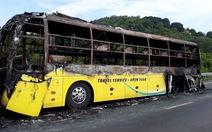 Cháy xe giường nằm, 40 hành khách thoát chết