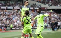 Đè bẹp West Ham, Liverpool tăng kịch tính cho cuộc đua tốp 4