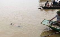 Đôi nam nữ nghi cùng nhảy sông tự vẫn