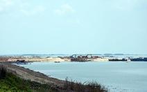 Tạm dừng khai thác cát trong lòng hồ Dầu Tiếng