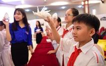 Đại biểu cháu ngoan Bác Hồ tham quan báo Tuổi Trẻ