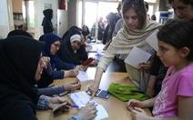 Chưa từng có ở Iran: mời ca sĩ giúp tranh cử