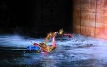 Sinh viên tranh tài điều khiển robot múa rối nước