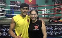 Mẹ và nhà vô địch muay Thái thế giới