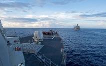 Bắc Kinh nổi giận khi tàu khu trục Mỹ vào Biển Đông