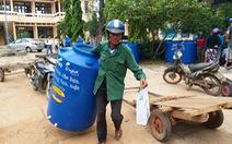 Thêm 100 bồn chứa nước cho vùng khô hạn