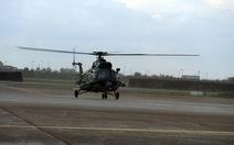 Trực thăng đưa chiến sĩ từ Thổ Chu về TP.HCM cấp cứu