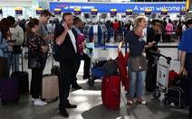 Sân bay ở London tiếp tục thất thủ