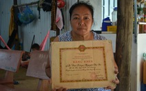 Cán bộ về hưu cũng chịu trách nhiệm vụ hàng trăm huân chương bỏ quên
