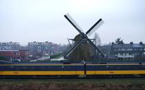 100% tàu điện Hà Lan chạy bằng năng lượng gió
