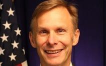 Quyền đại sứ Mỹ tại Trung Quốc từ chức