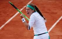Hạ Wozniacki, Ostapenko gặp Bacsinszky ở bán kết Roland Garros