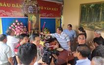 Người dân làm lễ giỗ cố Thủ tướng Võ Văn Kiệt