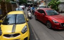 Căng thẳng 'cuộc chiến' lòng lề đường - đậu xe hơi