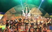Đại diện 18 dân tộc thiểu số dự hội trình diễn cây nêu