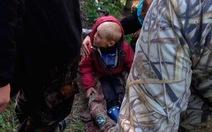 Cuộc giải cứu ly kỳ bé 4 tuổi lạc trong rừng 4 ngày