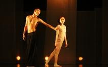 Lời tự sự của chàng nghệ sĩ người Mông trong vở múa Ru đêm
