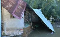 5 căn nhà tại TP.HCM bị cuốn xuống sông trong đêm
