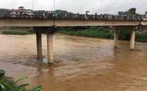 Lào Cai: Xuất hiện lũ lớn trên sông Hồng