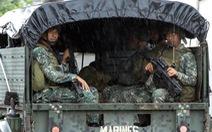 Khủng bố ở Marawi lấy xuồng tải vũ khí, quyết không đầu hàng