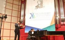 'Thần đồng' Trần Lê Quang Tiến đoạt giải đặc biệt violin Tchaikovski