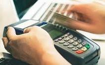 Khởi tố giám đốc nhà hàng 8 lần quẹt thẻ của du khách