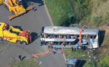 Xe du lịch tông đuôi xe tải, hàng chục người nghi thiệt mạng