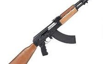 Nam thanh niên bắn 2 phát AK dọa đối thủ