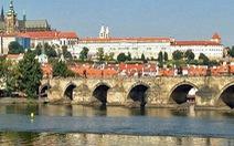 Séc tưng bừng kỷ niệm 660 năm ngày ra đời cầu tình yêu Praha
