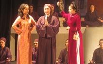 Sân khấu Hà Nội và nỗi buồnkịch bản 'nông choèn'