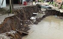 Hậu Giang di dời khẩn 11 hộ dân khỏi vùng sạt lở