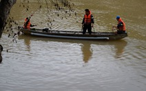 Lật xuồng trên sông Krông Nô: 1 người chết, 4 người mất tích