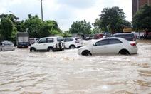 Biển nước bủa vây đại lộ hiện đại nhất Việt Nam