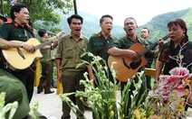 Khát vọng hòa bình: 'Không người lính nàothích súng đạn!'