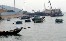 Hàng chục tàu bị chìm tại cảng La, Quảng Bình