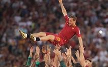 Totti nghỉ hưu, làm giám đốc AS Roma