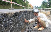 Sụt lún nghiêm trọng ở đường nối Thanh Hóa với Lào