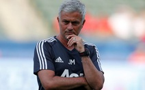 Mourinho an toàn với chiếc ghế ở Old Trafford