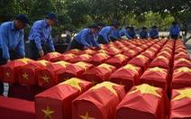 Truy điệu, an táng liệt sĩ quân tình nguyện Việt Nam tại Campuchia
