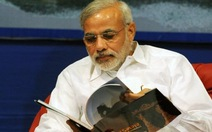 Thủ tướng Ấn Độ muốn được tặng sách thay hoa
